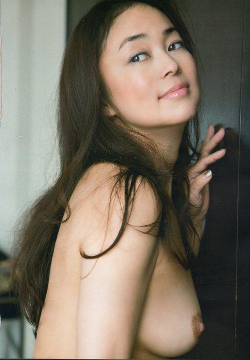中島知子巨乳おっぱい画像c12