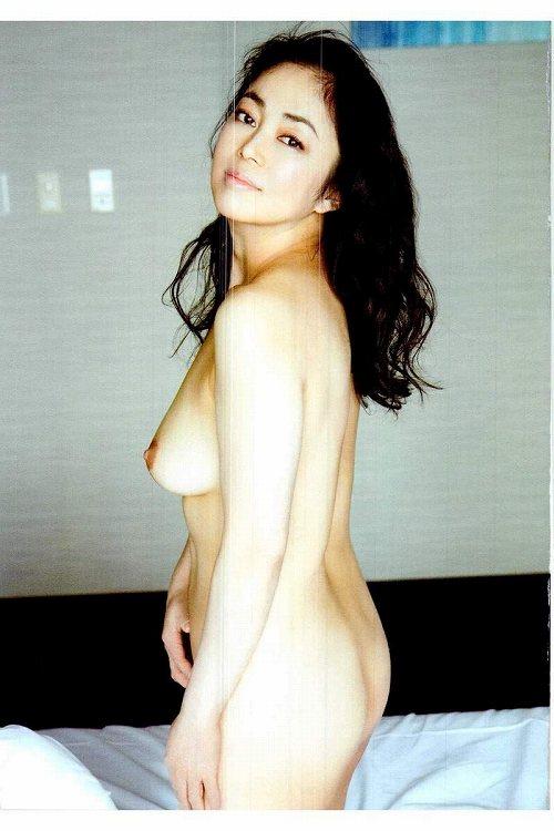 中島知子巨乳おっぱい画像c15