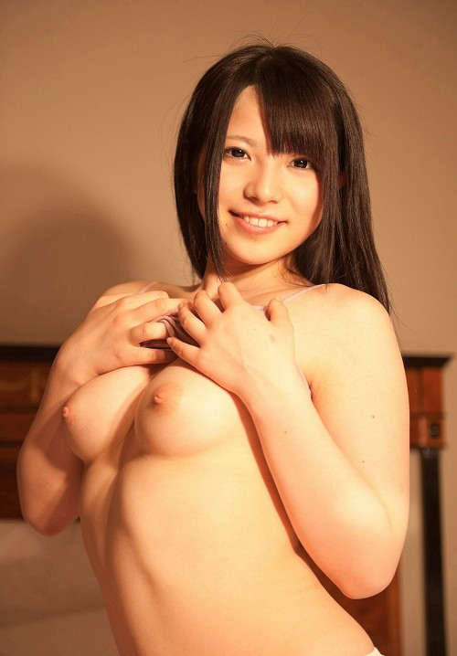 上原亜衣巨乳おっぱい画像2b26