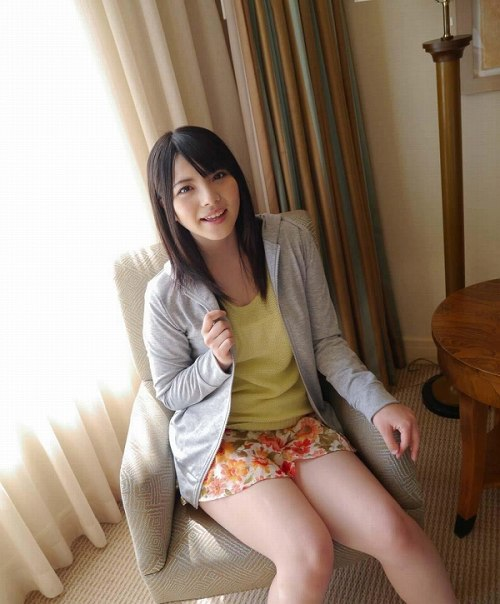 上原亜衣巨乳おっぱい画像b26