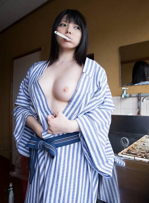 上原亜衣巨乳おっぱい画像b67