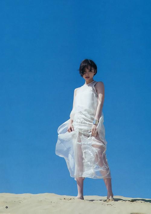 篠田麻里子水着画像b02