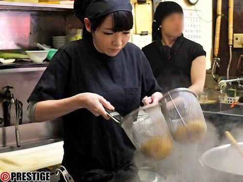 青山美緒美乳おっぱい画像a02