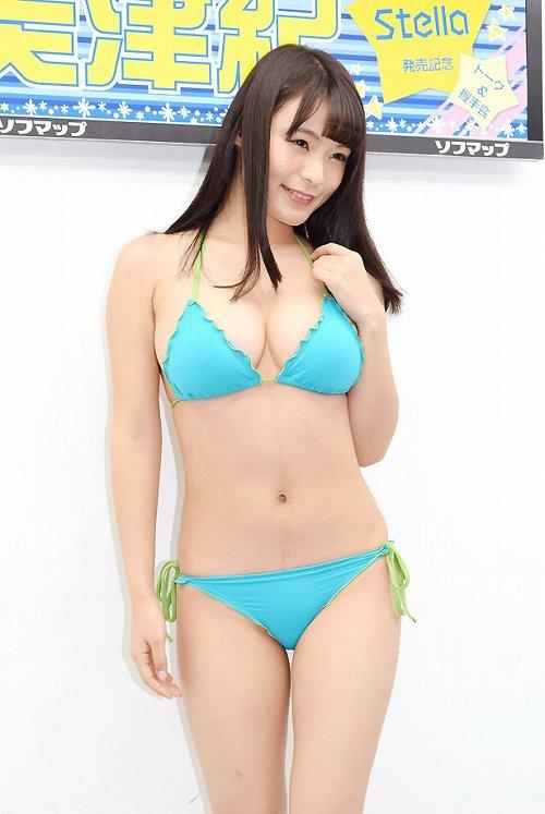 星名美津紀爆乳おっぱい画像b59