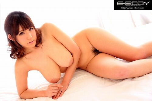 桜乃ゆいな爆乳おっぱい画像b02