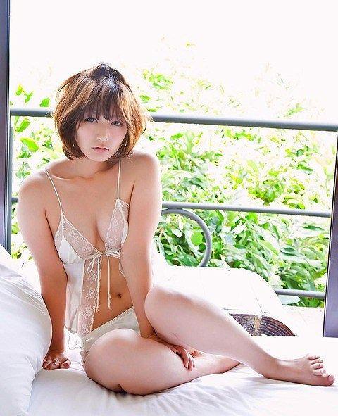 京本有加おっぱい画像b23