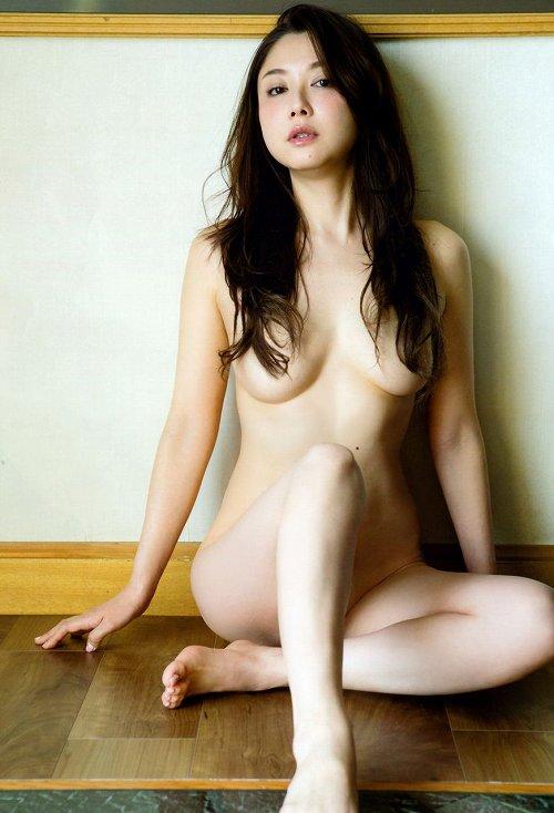 吉田里深巨乳おっぱい画像b09