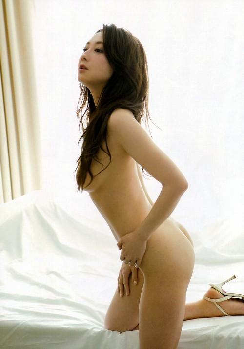 吉田里深巨乳おっぱい画像b11