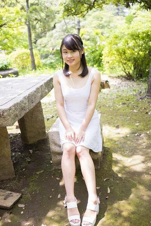 松岡結菜おっぱい画像a02