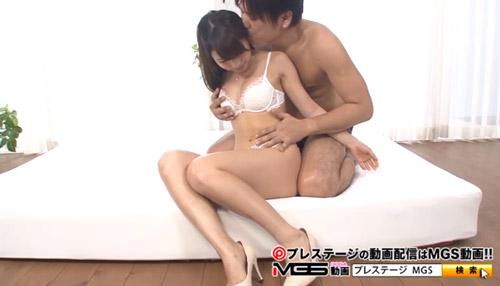鈴木もも美乳おっぱい画像2a02