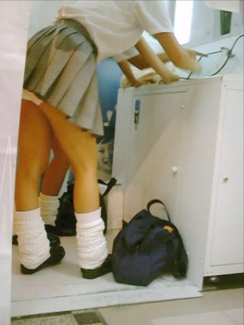 【画像】JKがプリクラに入ってる間に逆さ撮り盗撮した結果www 41枚 No.31