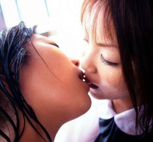 女の子同士で濃厚なディープキスや爽やかフレンチキスのエロ画像 31枚 No.11
