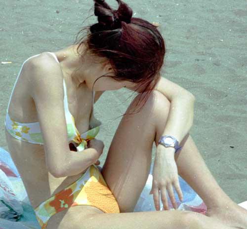 ビキニで開放的になっちゃって乳首とかポロリしてるエロ画像 43枚 No.16
