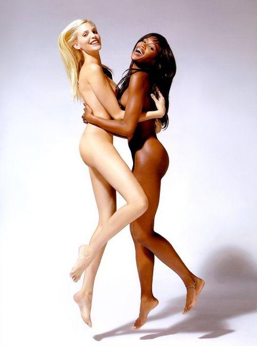 外国人レズビアンカップルの濃厚セックスのエロ画像! 34枚 No.22