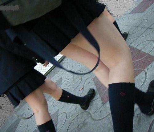 通学中のJKの美脚を盗撮したエロ画像下さい! 40枚 No.2