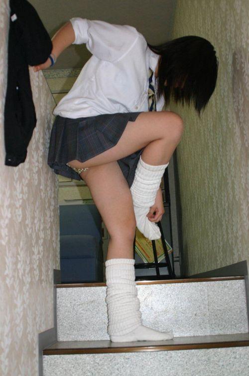 通学中のJKの美脚を盗撮したエロ画像下さい! 40枚 No.3