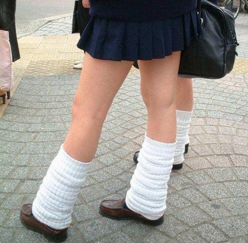 通学中のJKの美脚を盗撮したエロ画像下さい! 40枚 No.7