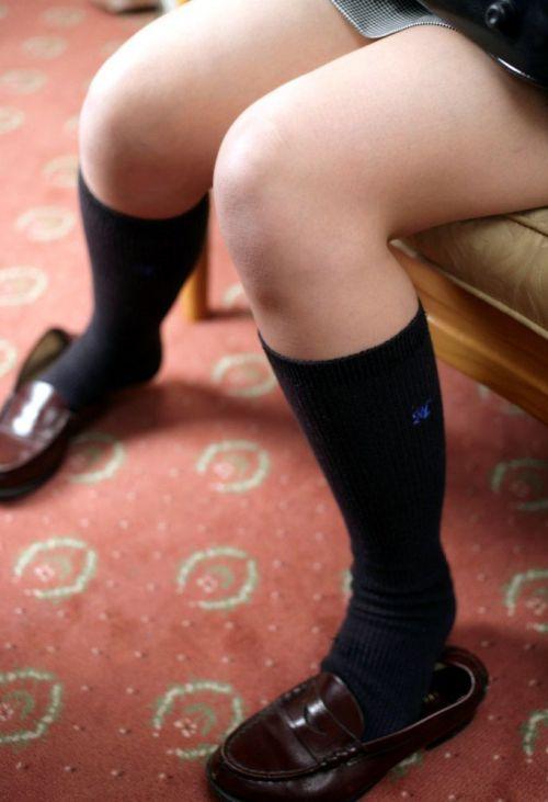 通学中のJKの美脚を盗撮したエロ画像下さい! 40枚 No.8