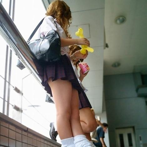 通学中のJKの美脚を盗撮したエロ画像下さい! 40枚 No.10
