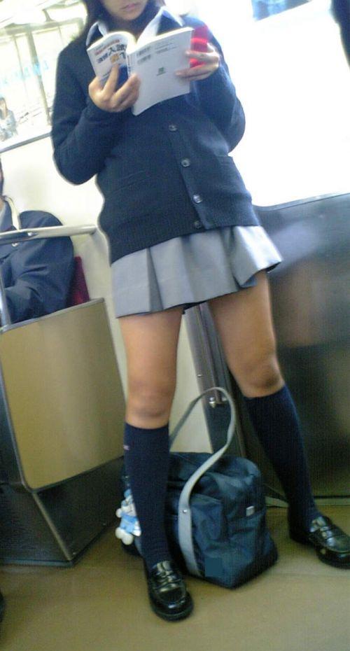 通学中のJKの美脚を盗撮したエロ画像下さい! 40枚 No.14