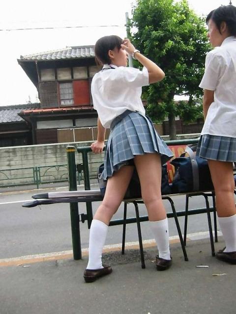 通学中のJKの美脚を盗撮したエロ画像下さい! 40枚 No.19