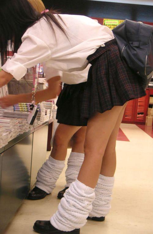 通学中のJKの美脚を盗撮したエロ画像下さい! 40枚 No.25