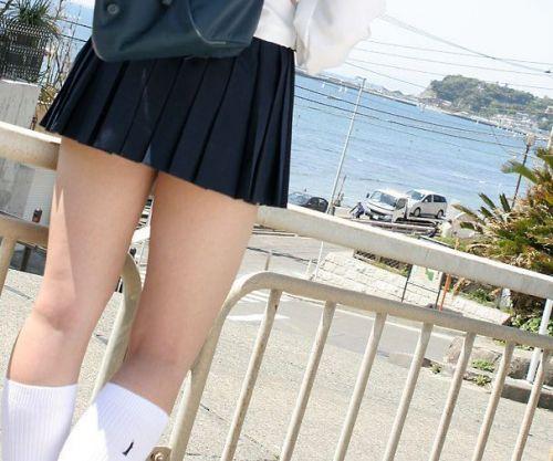 通学中のJKの美脚を盗撮したエロ画像下さい! 40枚 No.32