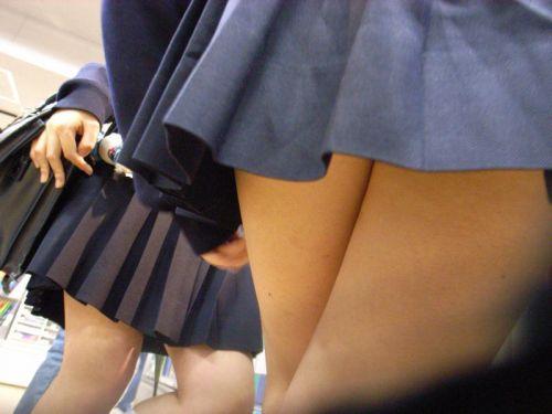 通学中のJKの美脚を盗撮したエロ画像下さい! 40枚 No.34