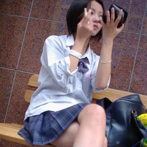 通学中のJKの美脚を盗撮したエロ画像下さい! 40枚 No.36