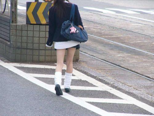通学中のJKの美脚を盗撮したエロ画像下さい! 40枚 No.40