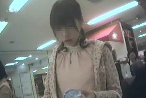 【激写盗撮画像】ギャルや綺麗なお姉さんのパンチラを逆さ撮りしたったwww 40枚 No.11