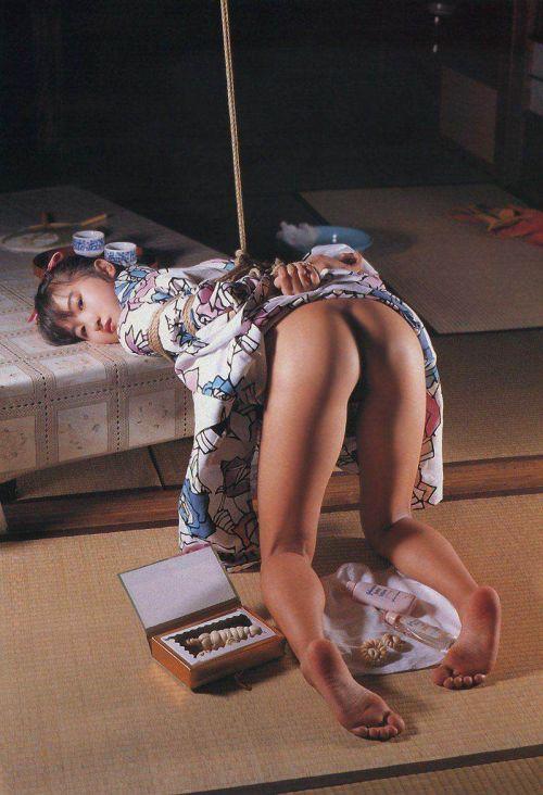 縄で緊縛されるのが大好きな変態女性達のSMエロ画像 39枚 No.35