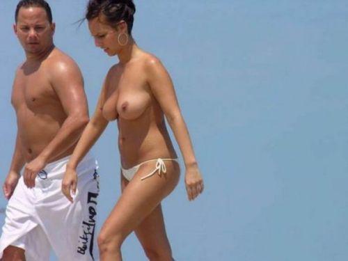 全裸の巨乳外国人だけを厳選したヌーディストビーチの盗撮画像 37枚 No.12