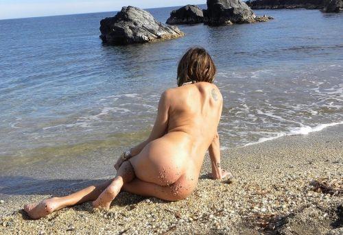 全裸の巨乳外国人だけを厳選したヌーディストビーチの盗撮画像 37枚 No.24