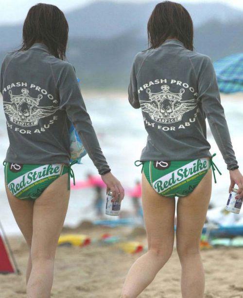 エロ過ぎるお尻がビーチにいることでさらにエロく感じる盗撮画像 35枚 No.17