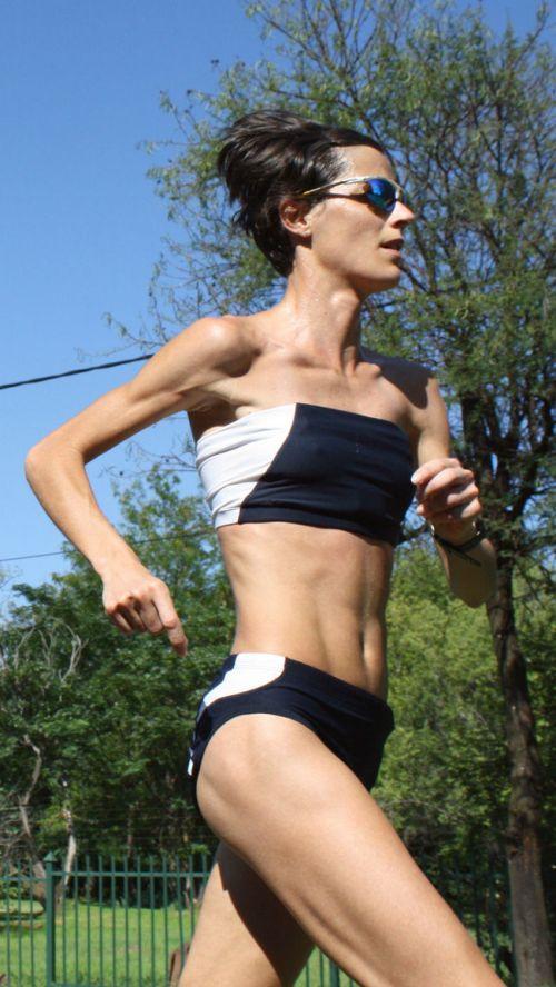 ガッチリ割れた美しい腹筋を持った外人女性のエロ画像 33枚 No.11
