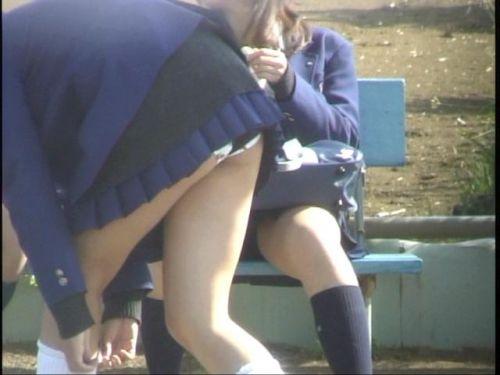 天真爛漫にお尻を出しちゃう制服JKのエロ画像まとめ 39枚 No.15