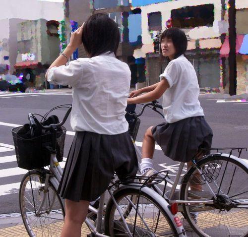 【盗撮】朝から爽やかにパンチラしちゃうJKの自転車通学画像 43枚 No.6