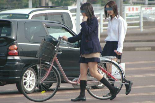 【盗撮】朝から爽やかにパンチラしちゃうJKの自転車通学画像 43枚 No.25