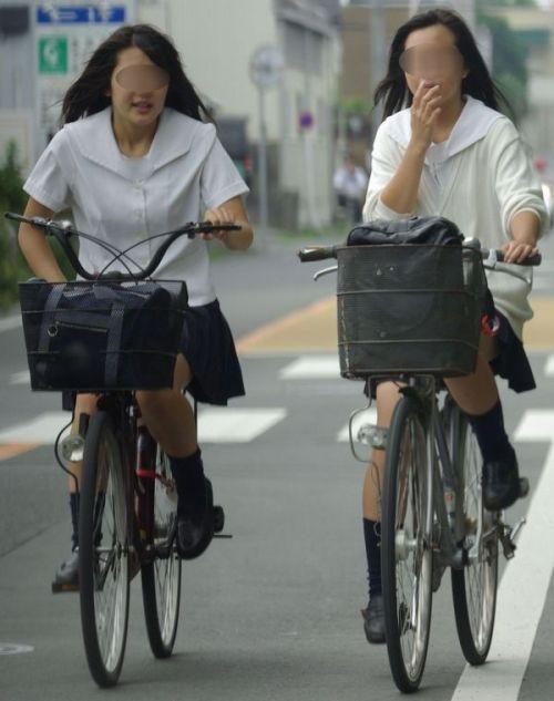 【盗撮】朝から爽やかにパンチラしちゃうJKの自転車通学画像 43枚 No.32
