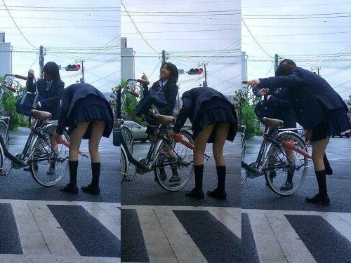 【盗撮】朝から爽やかにパンチラしちゃうJKの自転車通学画像 43枚 No.38