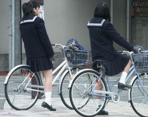 【盗撮】JKのパンモロやパンチラが簡単に見られる自転車通学画像 41枚 No.9