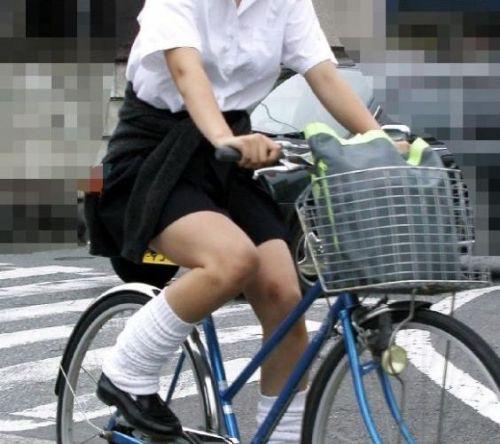 【盗撮】JKのパンモロやパンチラが簡単に見られる自転車通学画像 41枚 No.11