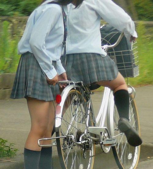 【盗撮】JKのパンモロやパンチラが簡単に見られる自転車通学画像 41枚 No.13