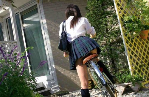 【盗撮】JKのパンモロやパンチラが簡単に見られる自転車通学画像 41枚 No.14