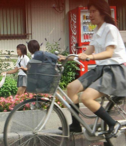 【盗撮】JKのパンモロやパンチラが簡単に見られる自転車通学画像 41枚 No.15