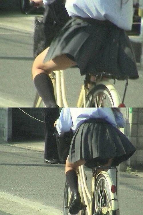 【盗撮】JKのパンモロやパンチラが簡単に見られる自転車通学画像 41枚 No.16