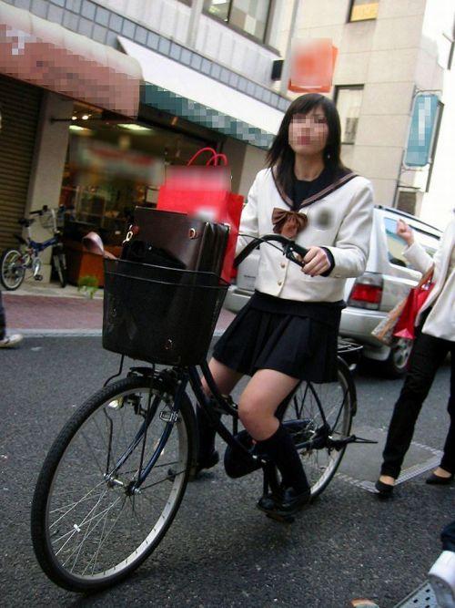【盗撮】JKのパンモロやパンチラが簡単に見られる自転車通学画像 41枚 No.17