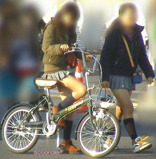 【盗撮】JKのパンモロやパンチラが簡単に見られる自転車通学画像 41枚 No.27