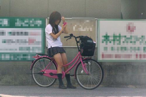 【盗撮】JKのパンモロやパンチラが簡単に見られる自転車通学画像 41枚 No.28